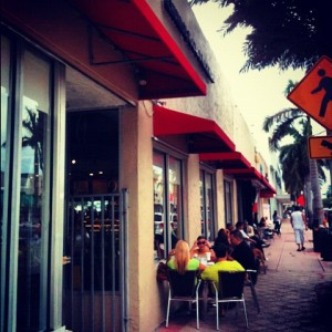 2012-09-18 PM 07-42 miamiherald Sidewalk cafes (North Beach)